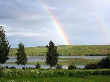 Regnbåge över Bysjön